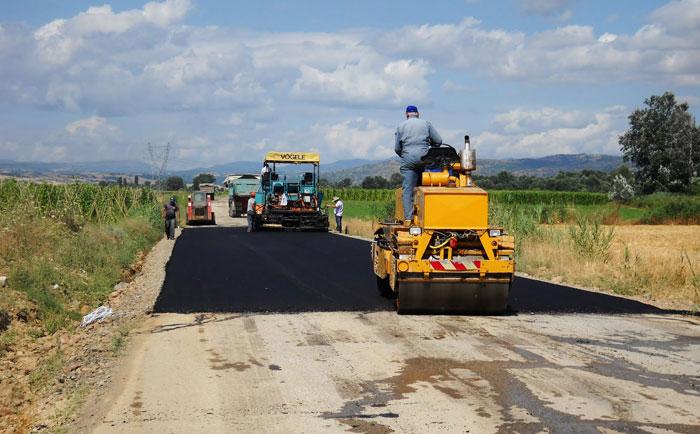 Άρτα: Aσφαλτόστρωση αγροτικών δρόμων σε Γλυκόριζο, Κεραμάτες και Κωστακιούς