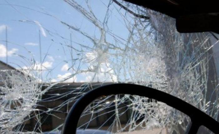 Πρέβεζα: Πετούσαν πέτρες σε οχήματα
