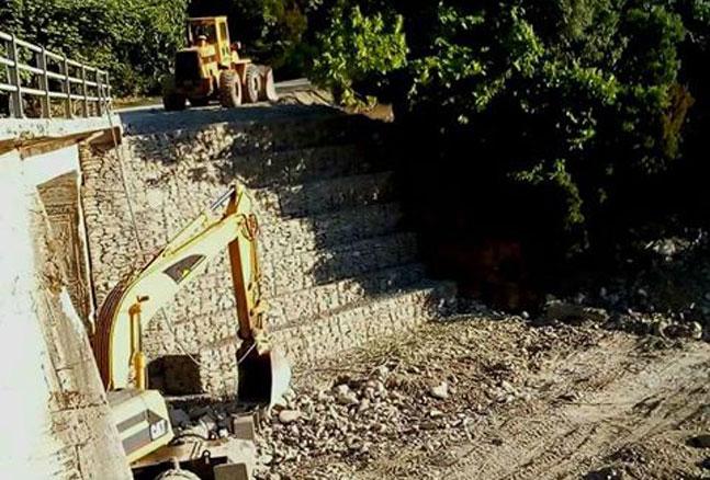 Άρτα: Δήμος Γ. Καραϊσκάκη - 229.800 € για αγορά JCB και αποκατάσταση γέφυρας Διχομοιρίου