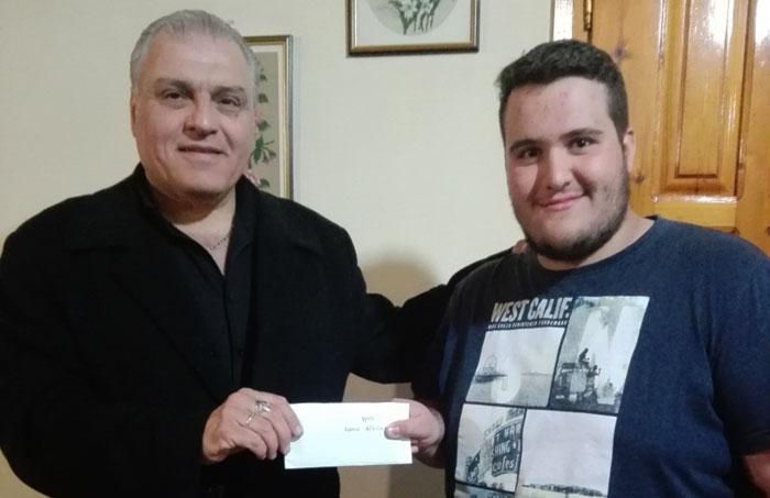 Άρτα: 700 ευρώ στους μαθητές του Λυκείου Αγνάντων από το Δήμαρχο Μ. Γαρνέλη