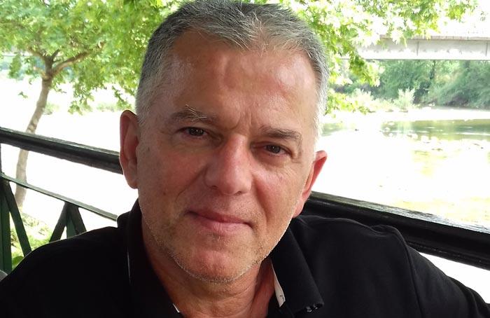 Άρτα: Παγκόσμια διάκριση για τον Αρτινό συγγραφέα Λευτέρη Αναστ. Τσιρώνη