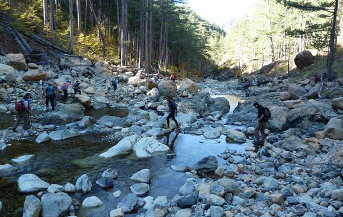Άρτα: Ορειβατικός Σύλλογος Άρτας - Oδοιπορικό στη Βάλια Κάλντα