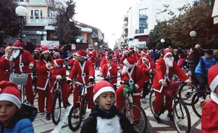 Άρτα: Πλήθος κόσμου για το Santa Bike στην Χριστουγεννιάτικη Άρτα